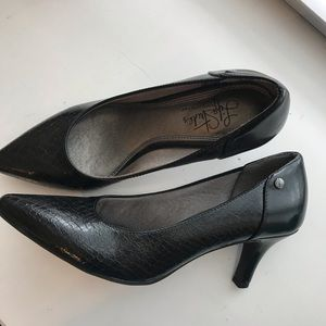 Lite Stride Black Pumps
